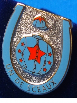 Un De Sceaux badges now available