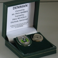Denman boxed badge set